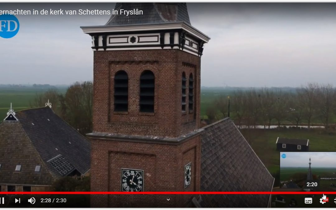 YouTube video over Kerkovernachting in bijlage Reis&Co Friesch Dagblad
